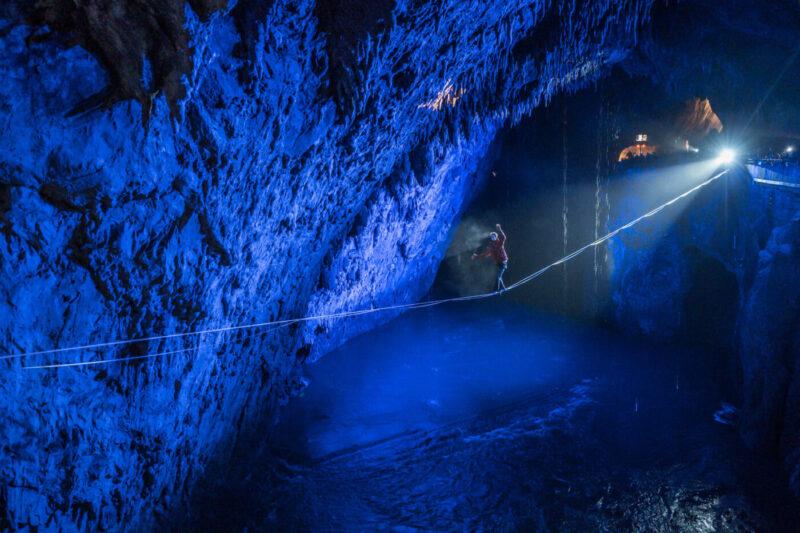 Balansa Slackline - Postojna cave highline