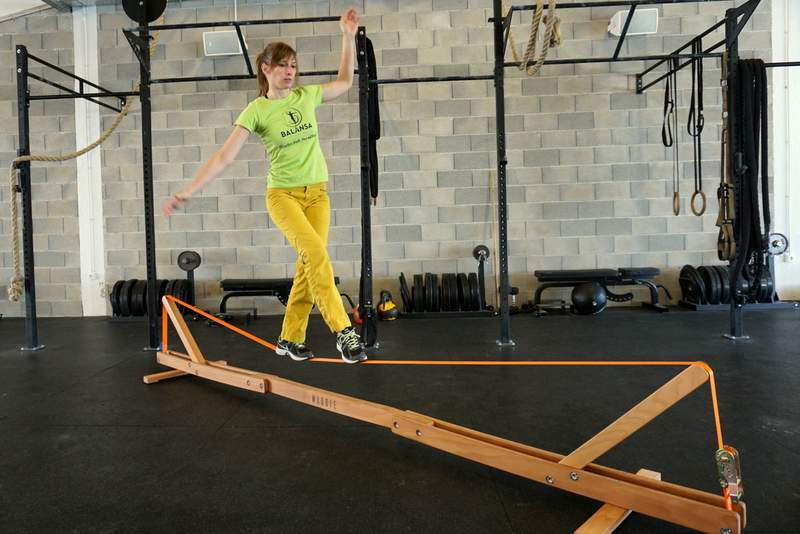 Balansa_Woodie_Indoor_Slackline_Balance_Training (4)
